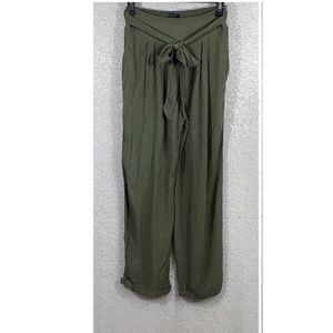 American Eagle Crop Cuffed Pants Size Small